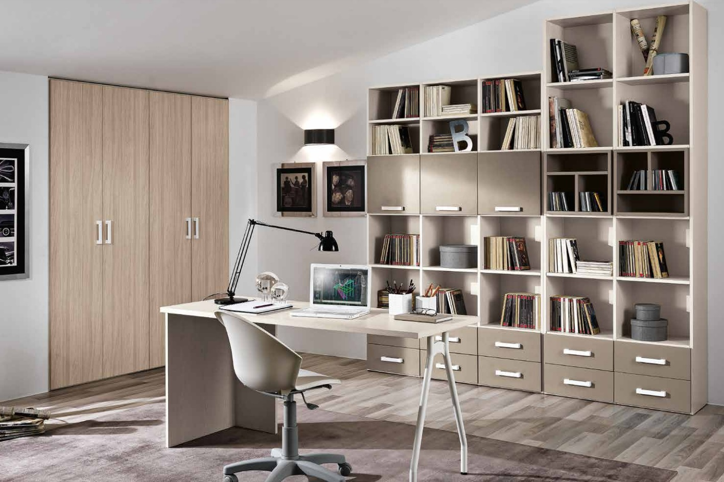 Composizione Di Librerie Varie Altezze Con Scrivania Ed Armadio Per Ufficio  O Casa Modello Omnia