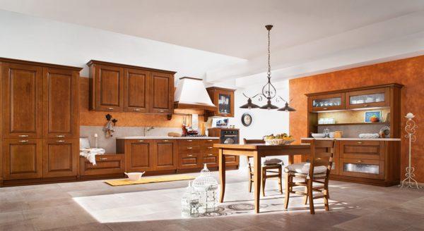 Cucina_Legno_Classica